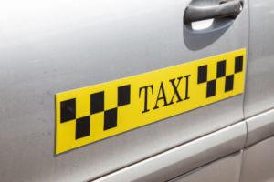Магнитные наклейки на такси