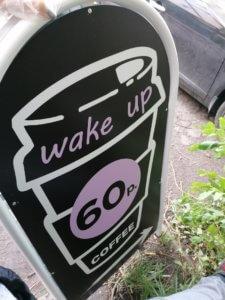 Арочный штендер для кофейни
