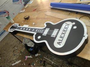 лайтбокс в виде гитары